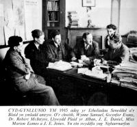 1945 J E Jones yn Swyddfa Caernarfon