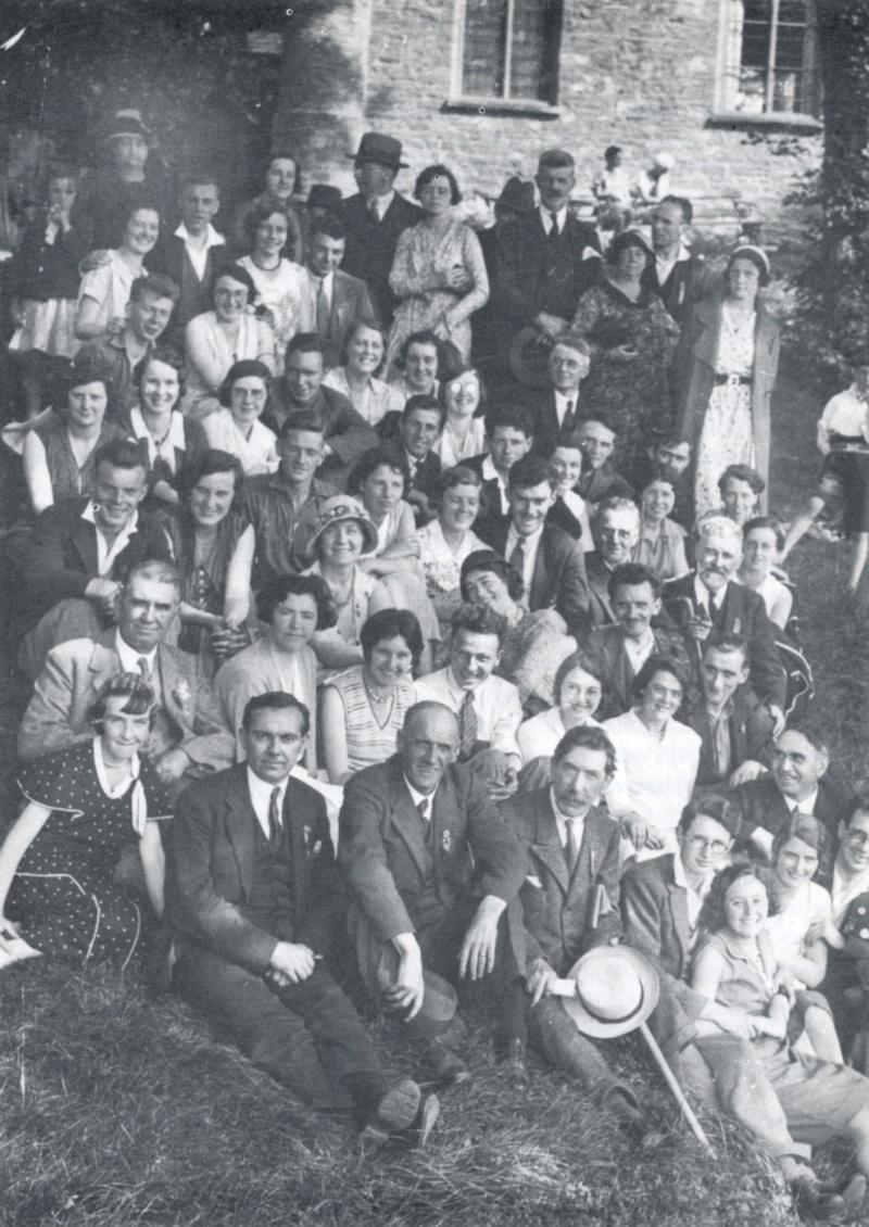 Ysgol Haf Brynmawr 1932 yng Nghastell Y Fenni