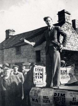 Arwain protest Abergeirw, 1948