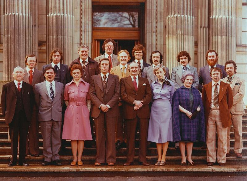 1977 Cyngor Sir Morgannwg Ganol2b